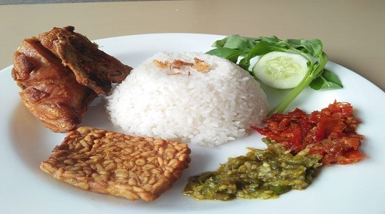 Menu & Review Pecel Ayam Sunter - Sunter Jaya