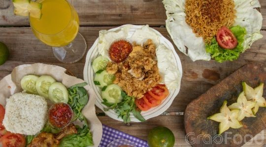 Menu & Review Ayam Geprek Juara - Radjiman