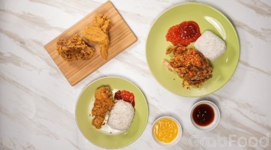 Menu & Review Aa Raffi Fried Chicken - Sindangbarang Bogor - Bogor I