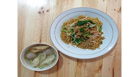 Menu & Review Mie-Ten Bangka - Pondok Ranji - Ciputat