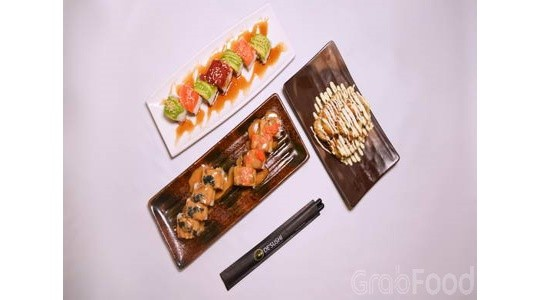 Menu & Review De Sushi - Kamal Muara